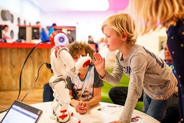 Kom in aanraking met echte robots tijdens het Weekend van de Wetenschap.